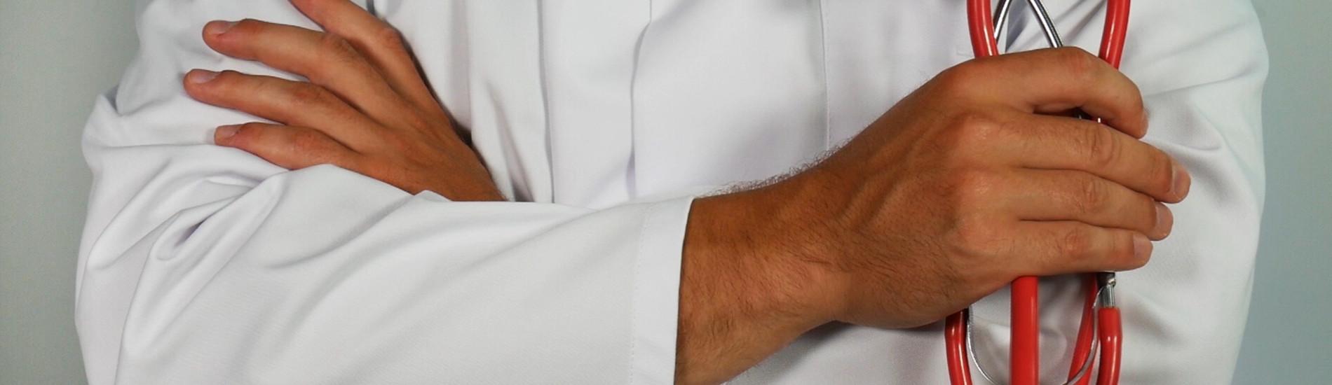 Zakres przedmiotowy tajemnicy medycznej – czego lekarz powiedzieć nie może