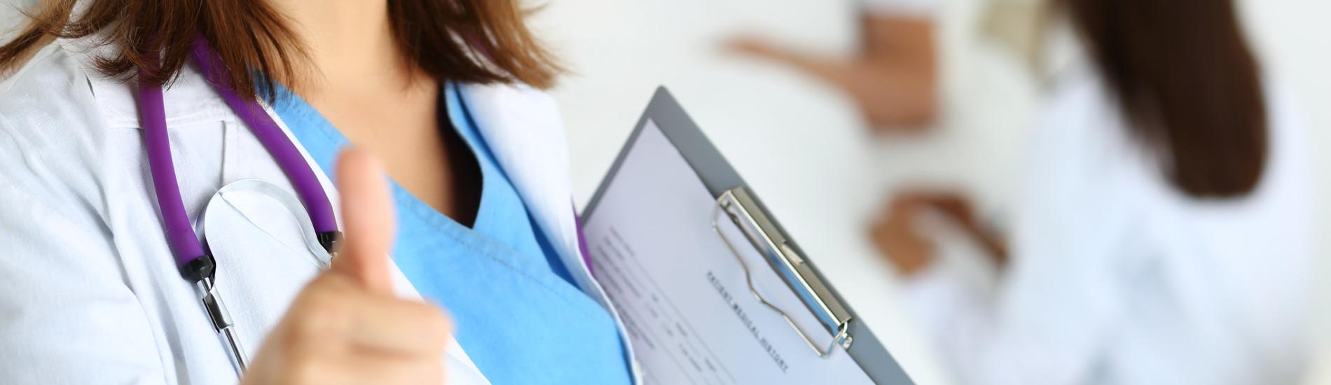 Czy pacjent ma prawo odmówić obecności studentów przy badaniu?