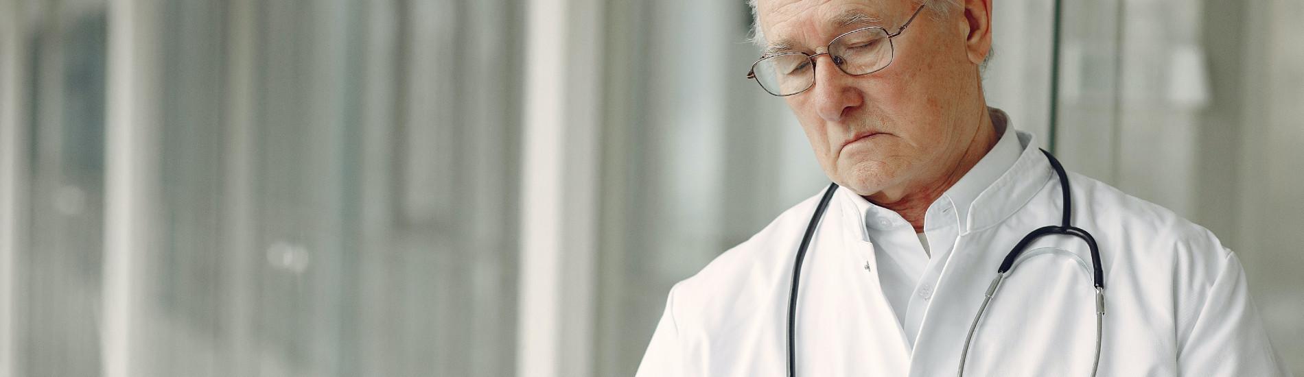 Przekroczenie zakresu zgody pacjenta przez lekarza – czy tak można?